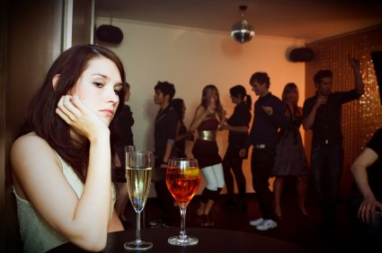 young_woman_alone_at_club