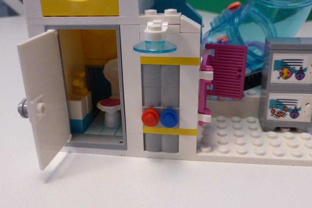 프렌즈 워터파크 화장실 레고 프렌즈 워터파크 후기 , 건축과 출신이 본 레고 ㅋㅋㅋ