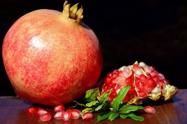 pomegranate 2851994 640 40대 엄마 생일선물 종결할게요(1만원대-20만원대)