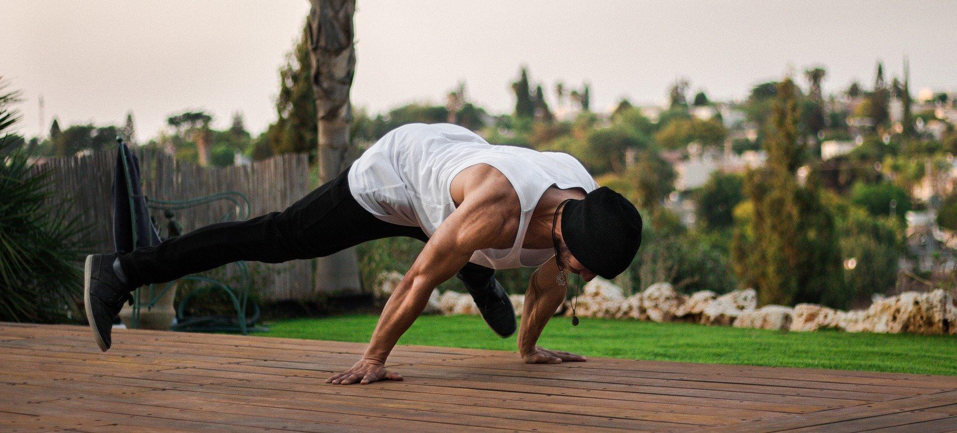 street workout 2628904 1920 초보 운동 루틴 No.1 가이드(계획,스케줄, 운동법)