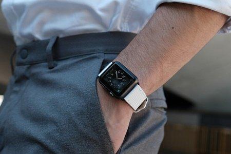 Pin and Buckle Apple Watch Bands Epsom Leather Apple Watch Band Ivory White 걷기 운동 효과 5가지 : 걸으면 칼로리 얼마나 태울수 있을까?