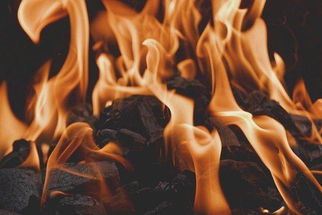 fire 4892711 640 케토 다이어트 하는법 1탄: 차원이 다른 효과 누리기