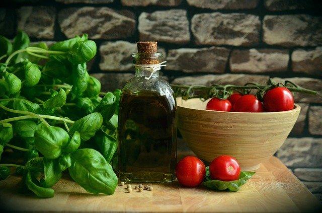 olive oil 1412361 640 저탄고지(케토) 다이어트 2탄 :차원이 다른 효과